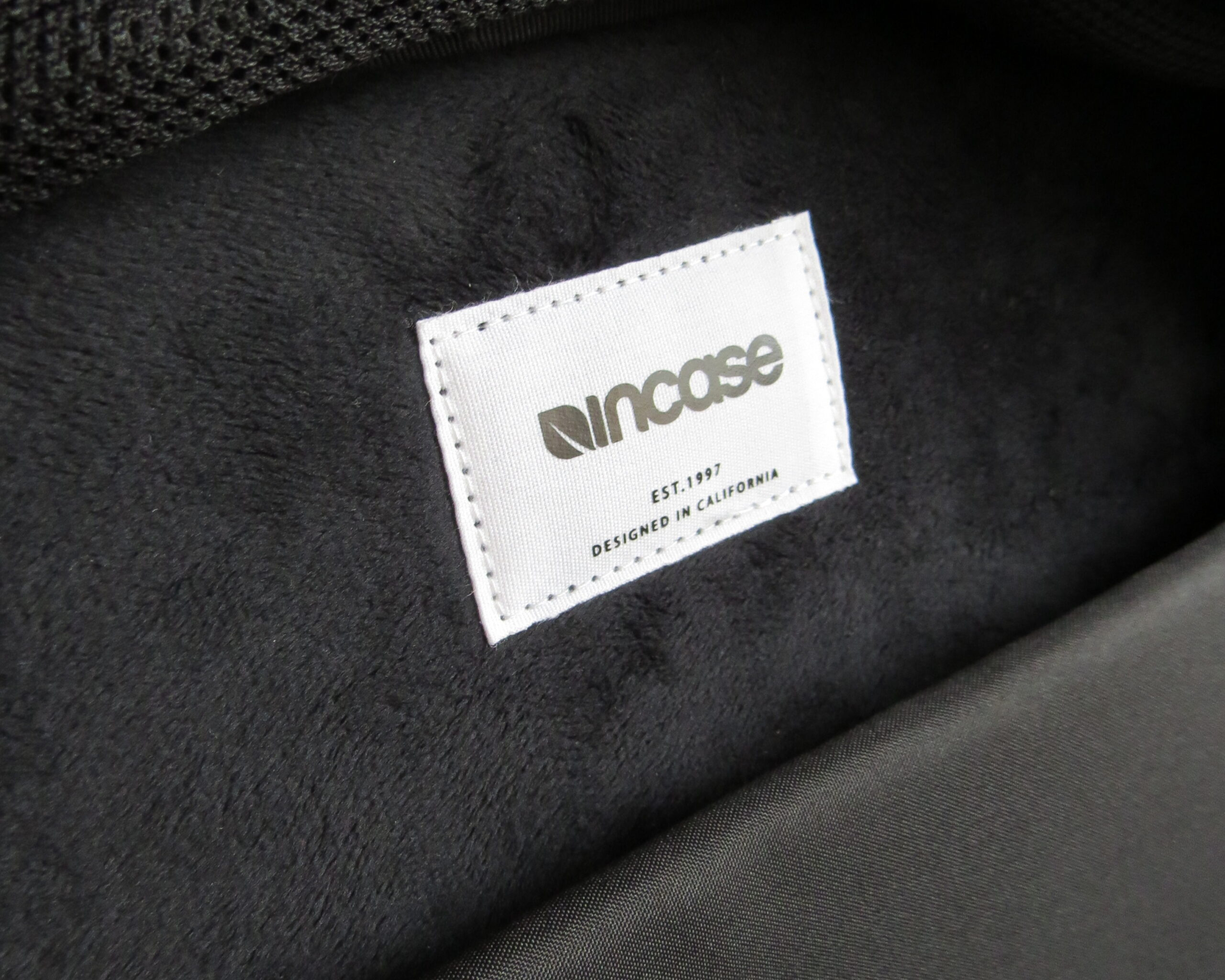 incaseのロゴ
