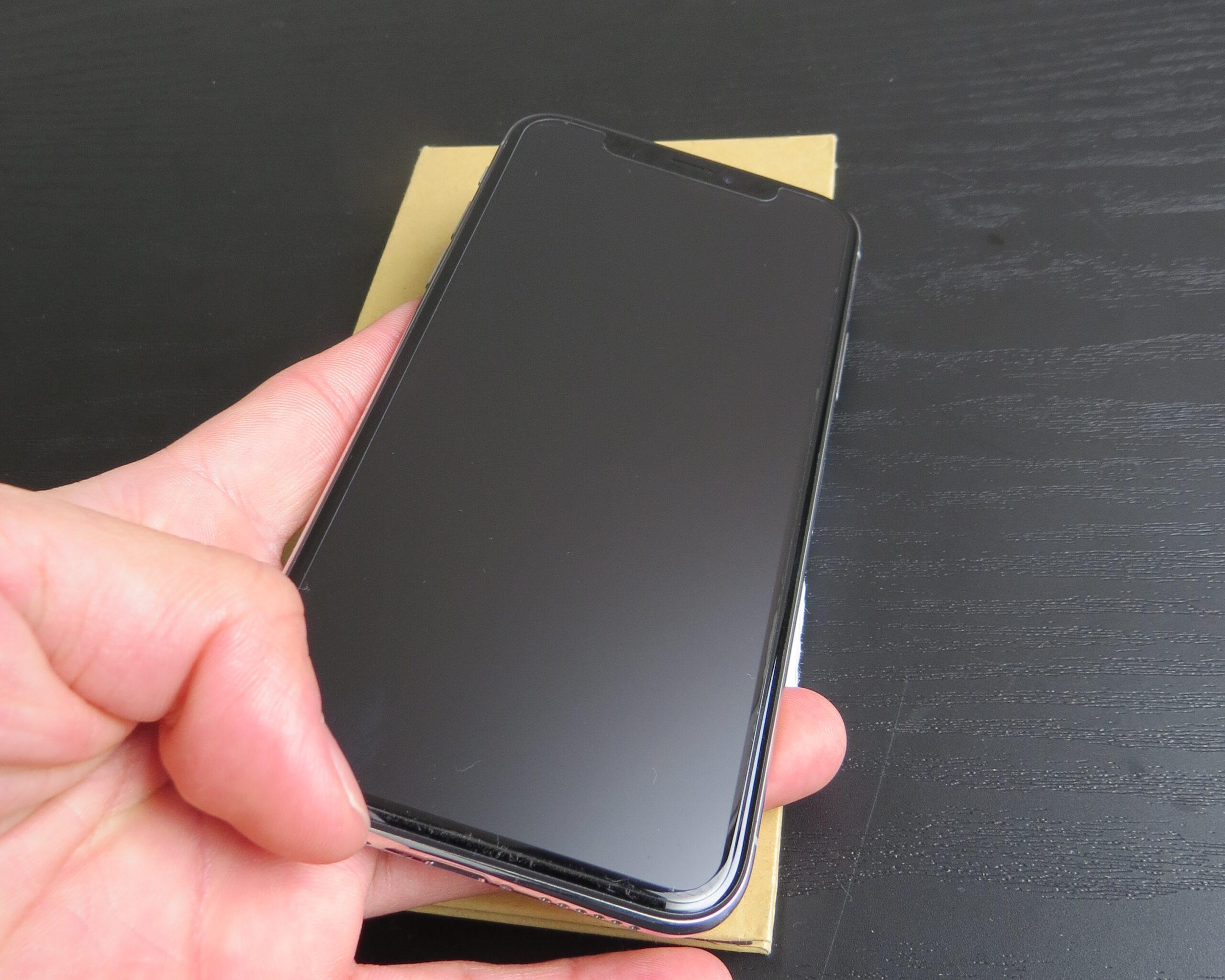 アンチグレアフィルムを貼ったiPhonexs