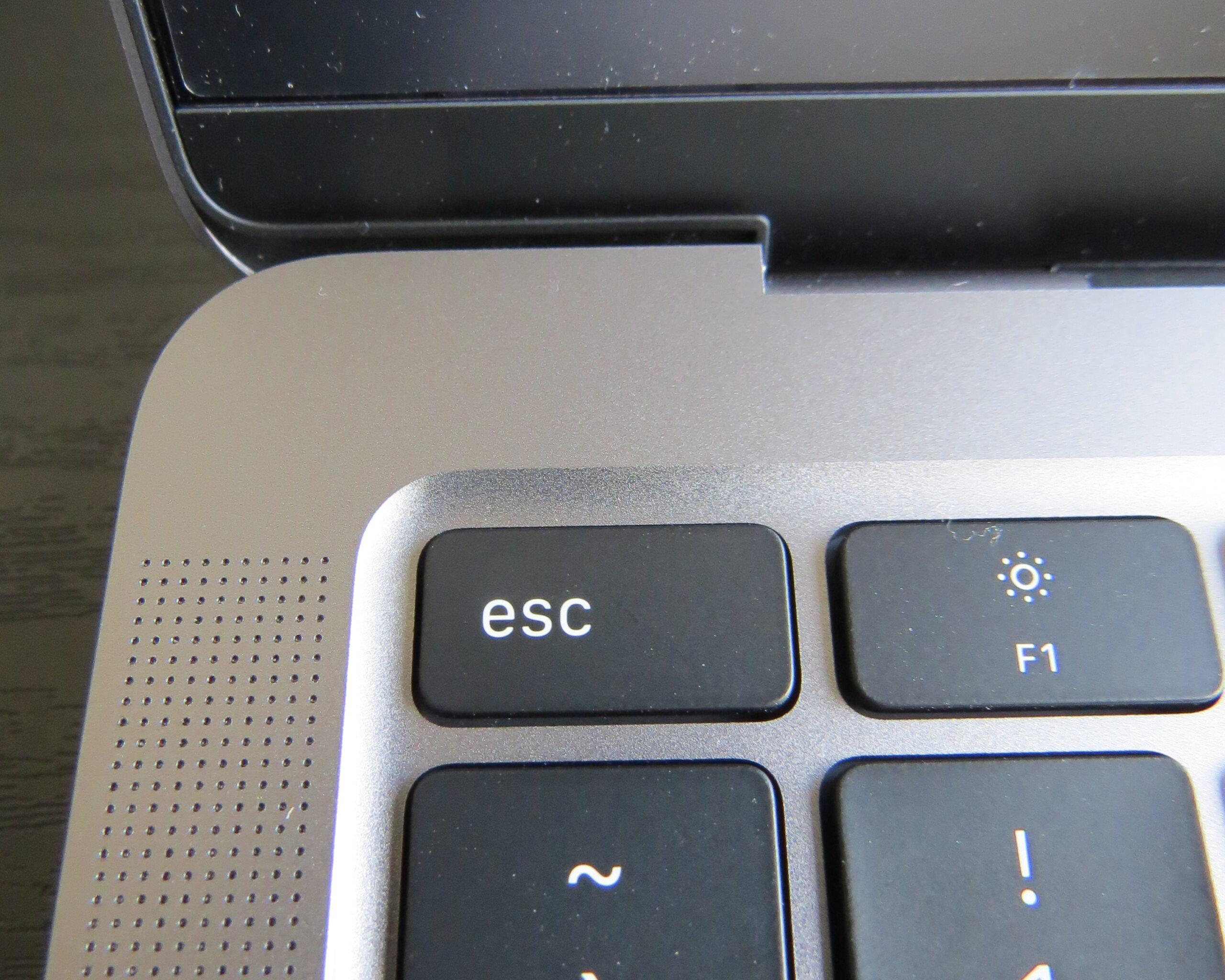M1 MacBook Airの物理escキー