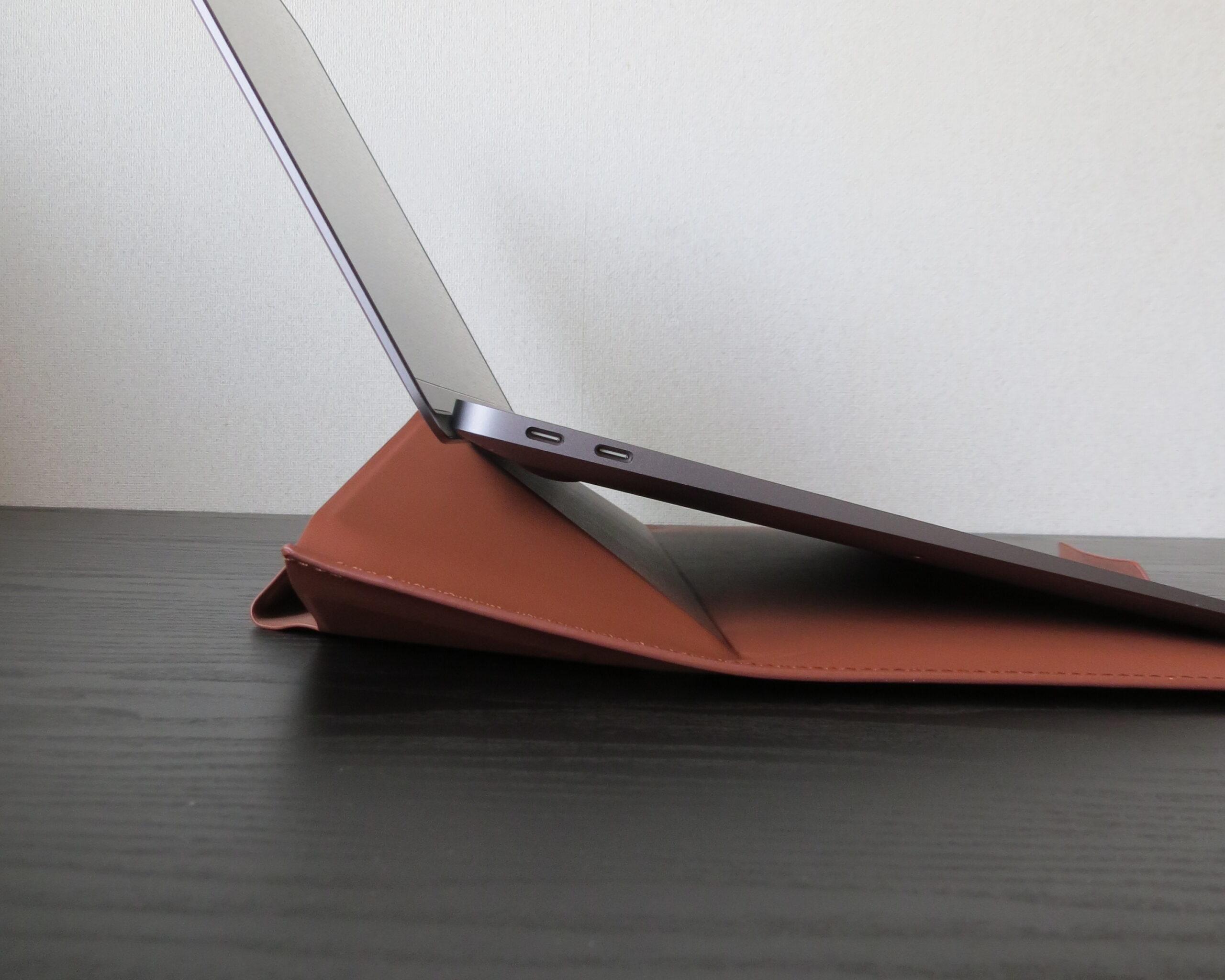 MOFT Carry Sleeveの角度15°を横から見た視点