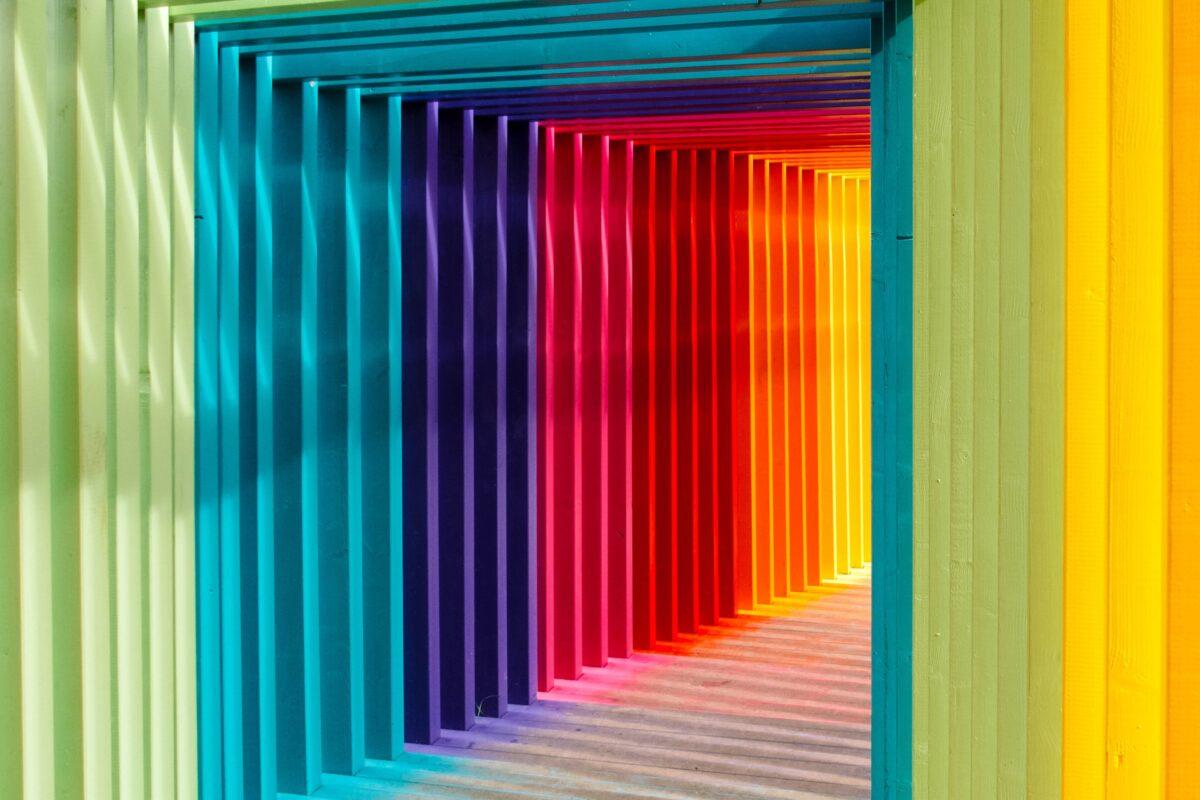 多彩な配色